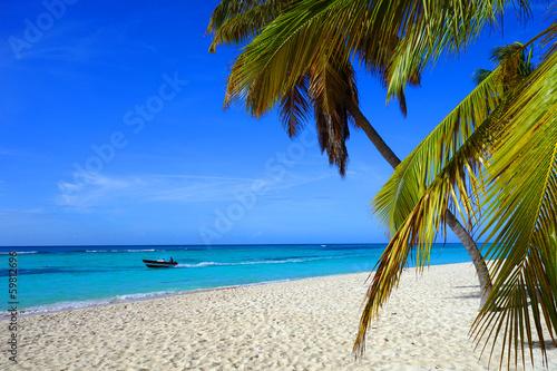 La pose en embrasure Bleu fonce Plage des Caraïbes