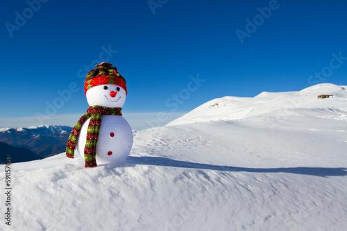 Photo  Snowman in e snow