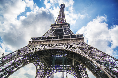 Fototapeta Tower Eiffel view from below obraz na płótnie