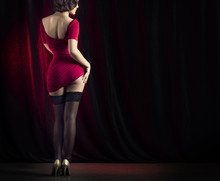 Lovely Cabaret Performers On S...