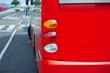 Bus an der Haltestelle - rote Version