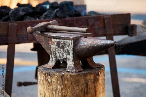 Fotografie, Obraz  Incudine e martello