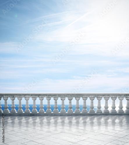 antyczny-taras-z-widokiem-na-morze
