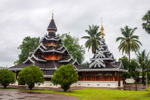 Wat Hua Wiang Temple In Mae Hong Son, Thailand