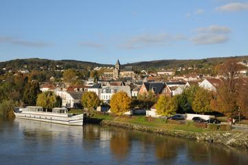Fototapeta na wymiar Ile de France, city of Triel sur Seine