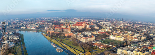 Poster Cracovie Cracow skyline with aerial view of historic royal Wawel Castle a