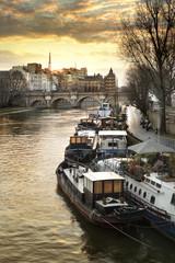 Péniches sur la Seine