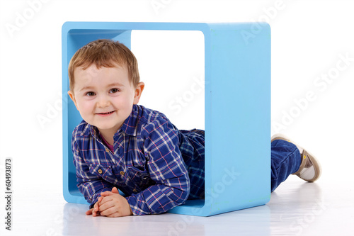 Fotografie, Obraz  Petit garçon dans un kostka bleu