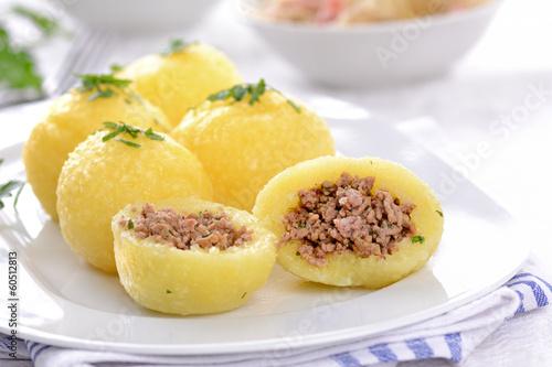 Gefüllte Kartoffelknödel
