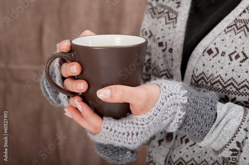 Foto op Plexiglas Chocolade Woman with hot chocolate