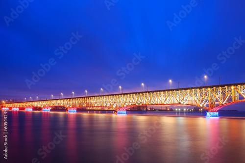 Valokuva  Illuminated bridge at night