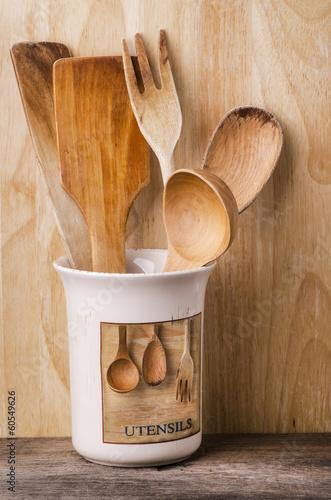 utensili in legno da cucina – kaufen Sie dieses Foto und finden Sie ...