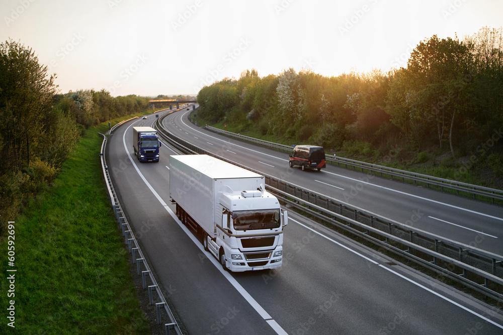 Fototapeta LKW auf der Autobahn 6