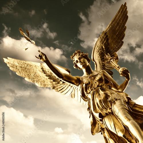 aniol-pokoju-w-monachium-bawarii