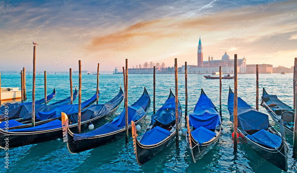 Fototapety, obrazy: gondolas at dusk