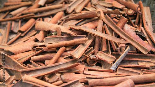 Foto op Aluminium Indonesië Cinnamon on the farm