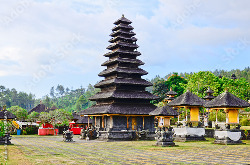 In de dag Indonesië Pura Besakih. - largest hindu temple of Bali, Indonesia