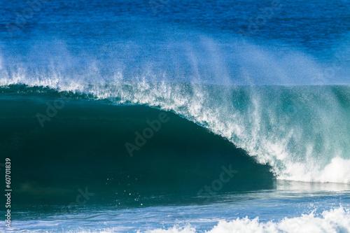 Foto auf Gartenposter Wasser Ocean Wave Hollow Crashing