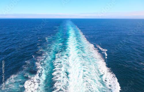 Fotografía  Gischt am Heck eines Schiffes