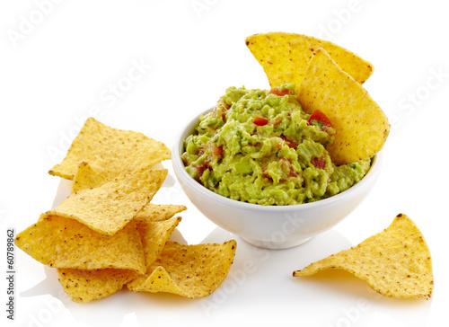 Fotografía  Guacamole dip and nachos