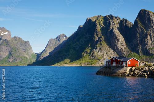 Papiers peints Scandinavie House by fjord