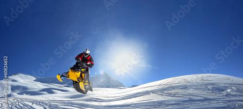 Fotobehang Wintersporten snowmobile