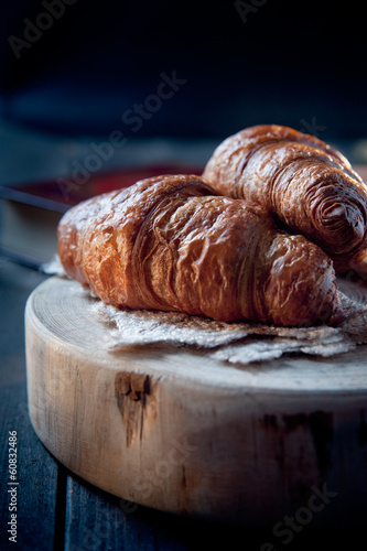 Foto Fresh healthy croissant for breakfast