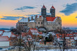canvas print picture - Das Quedlinburger Schloss und Stiftskirche im Winter beim Sonnen