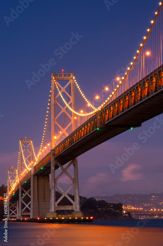 bay-bridge-w-nocy