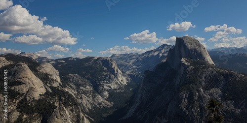 Photo  Half Dome and Yosemite Valley from Glacier point