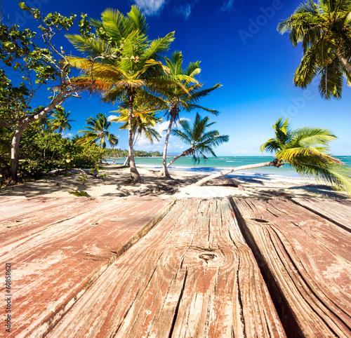 molo-przed-wymarzona-karaibska-plaza