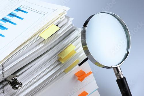 Foto Investigate and analyze.