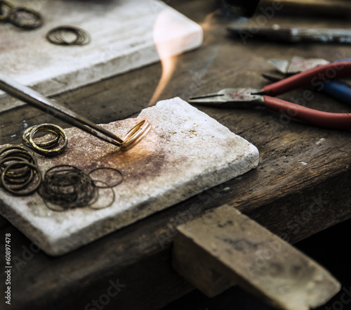 obraz PCV Produkcji biżuterii
