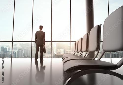 Foto op Aluminium Luchthaven businessman standing in office