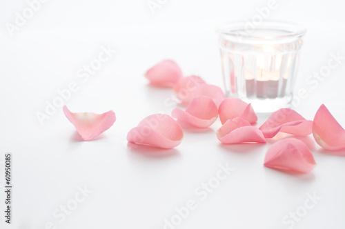 花びらとキャンドル