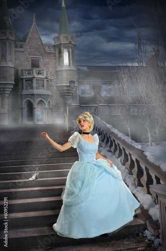 Young Princess Loosing Shoe on Stairs Fotobehang
