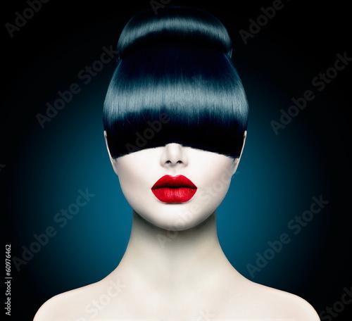 Naklejka premium Portret dziewczyny moda wysoki model z modne frędzle