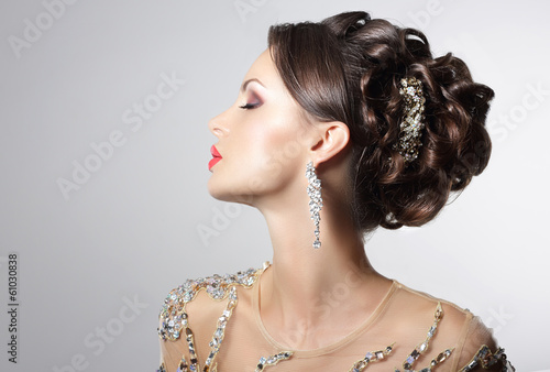Foto op Plexiglas Kapsalon Brunette with Costume Jewelry - Trendy Rhinestones, Strass