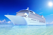 Cruise In The Sea