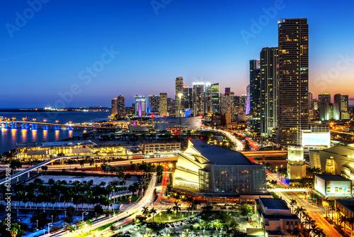 Obraz Miami downtown at night - fototapety do salonu
