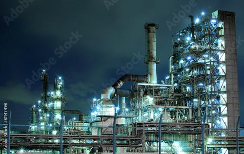 Staande foto Industrial geb. Petrochemical plant at night