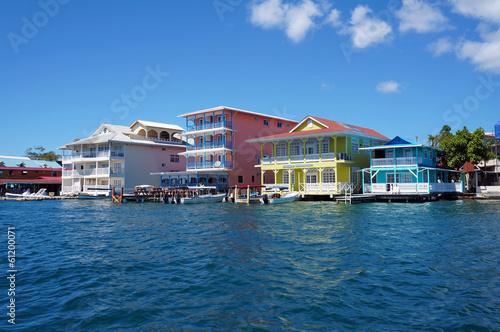 Foto op Plexiglas Caraïben Colorful Caribbean buildings over the water