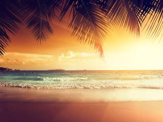 Obraz na Szklesunset on the beach of caribbean sea