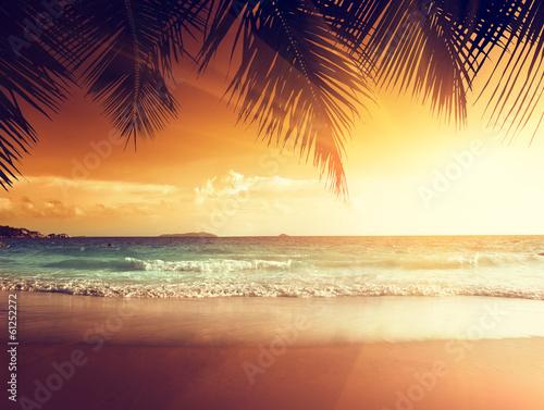 Foto-Leinwand - sunset on the beach of caribbean sea