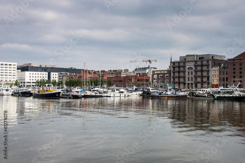 Foto auf Gartenposter Stadt am Wasser Harbor in Antwerp, Belgium.