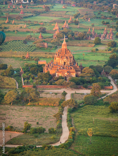 Fototapety, obrazy: Ancient pagodas in Bagan with altitude balloon Myanmar