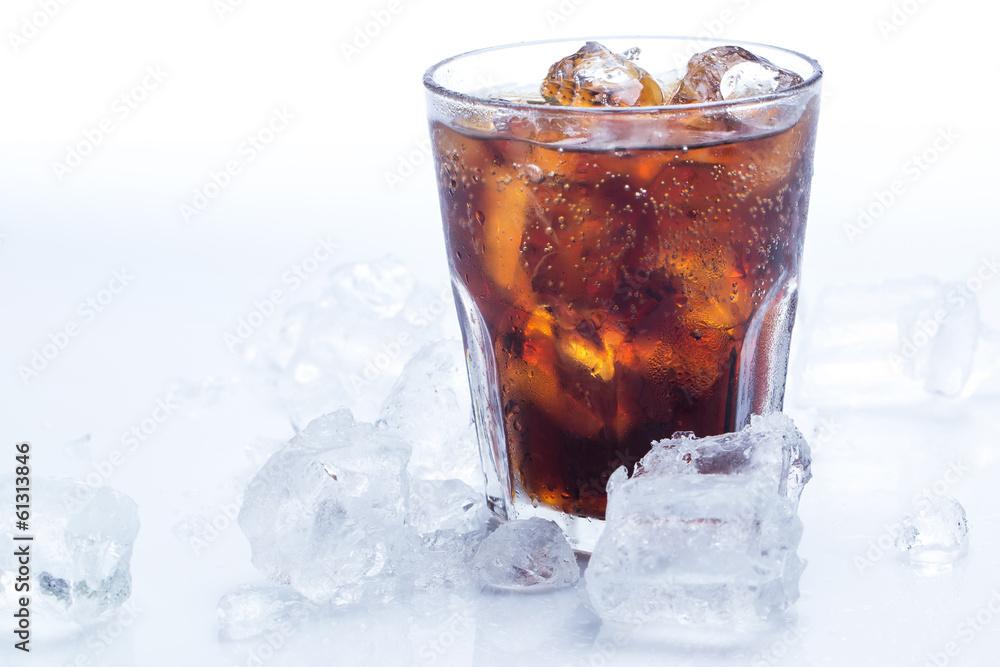 Kuchenruckwand Aus Glas Mit Foto Glass Of Iced Cola Soda Nikkel Art De