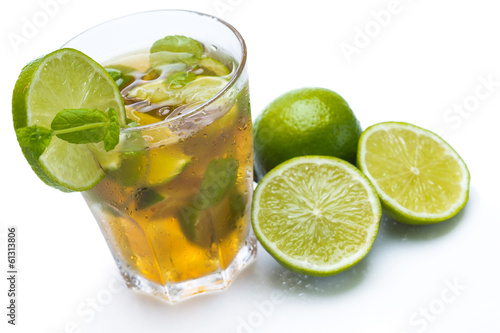 Fresh ice tea with lime - 61313806