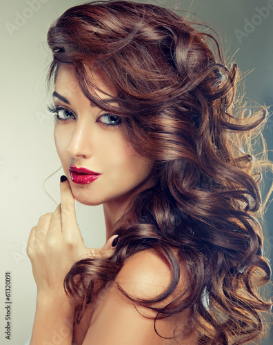 Model with beautiful  curly hair Billede på lærred