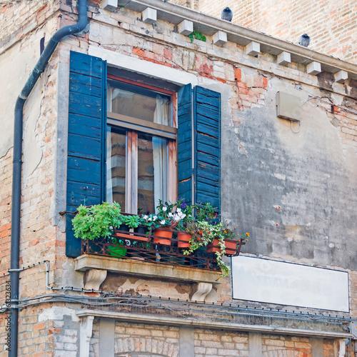 green windows © Gabriele Maltinti
